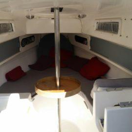 Dormir sur un bateau à quai et passer une nuit insolite.