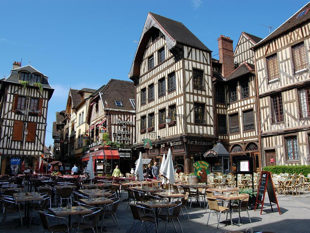 Location de voiture longue durée à Troyes – Point de livraison de votre véhicule en LOA dans le département de l'Aube 10